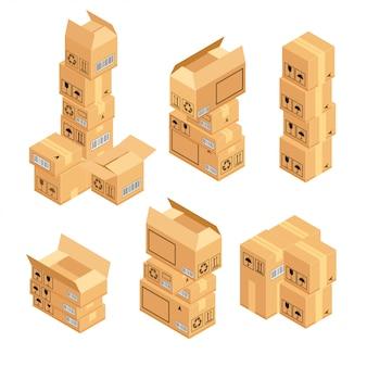Stapel geïsoleerde kartondozen