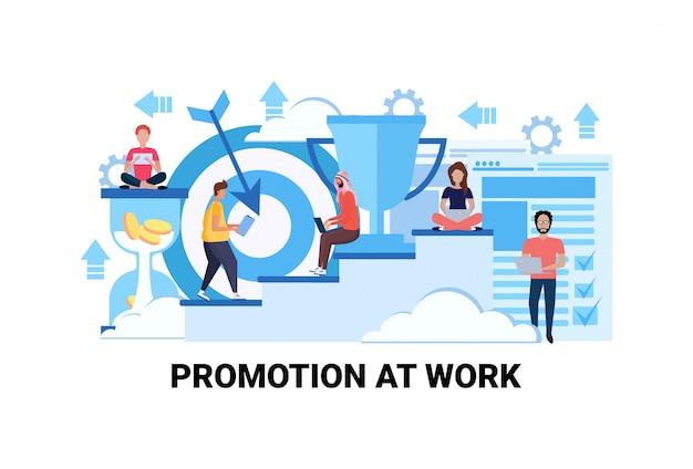 Stappen naar succes carrière groei promotie op het werk concept succesvolle strategie