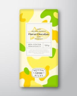Starfruit-chocoladeetiket. abstracte vormen vector verpakking ontwerp lay-out met realistische schaduwen. moderne typografie, met de hand getekend fruit silhouet en kleurrijke camouflage patroon achtergrond. geïsoleerd