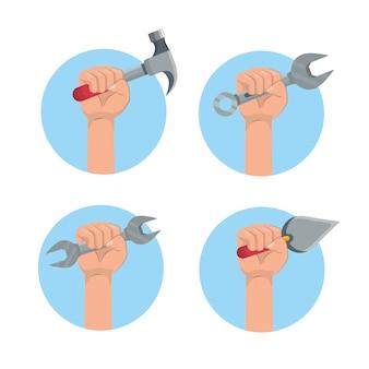 Stel handen met service voor constructiemateriaal