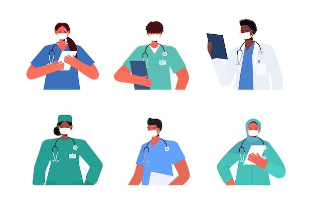 Stel mix race-doktoren in uniform met maskers om coronavirus te voorkomen