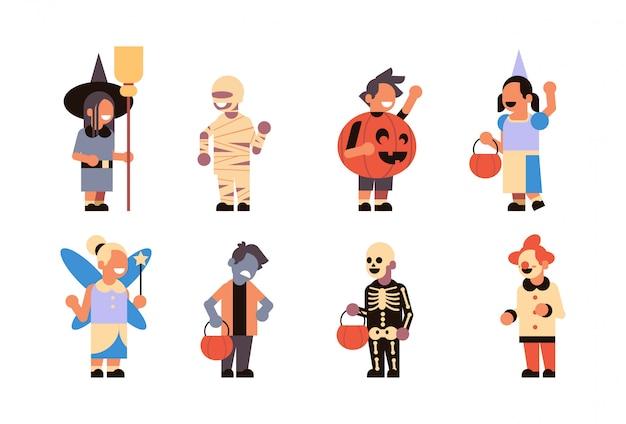 Stel verschillende schattige kinderen dragen monsters kostuum blij halloween