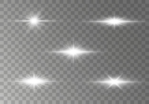 Ster barstte met fonkelingen glow lichteffect, sterren, vonken, gloed, explosie. set van gloeiende horizontale starlight lens flares, stralen met bokeh collectie op transparante achtergrond. illustratie