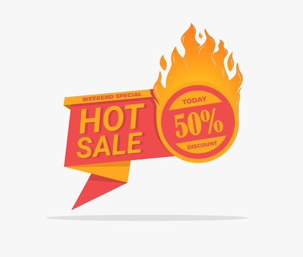 Stickerlabel hete verkoopkorting met vlamvector om uw promotieverkoop een boost te geven Premium Vector