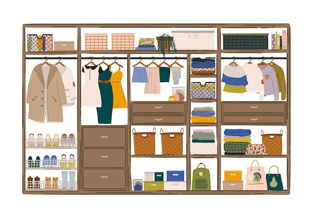 Stijlvol scandinavisch woonkamerinterieur. vrouwelijke kleding in kast of garderobe.