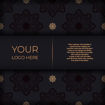 Stijlvolle sjabloon voor postkaarten met printontwerp zwarte kleur met vintage patronen. een uitnodiging voorbereiden met een grieks ornament.