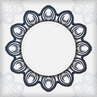 Stijlvolle vector sjabloon voor afdrukontwerp briefkaart witte kleur met donkerblauw vintage ornament. een uitnodigingskaart voorbereiden met griekse patronen.