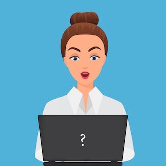 Stijlvolle verrast kantoor jonge vrouw met laptop.