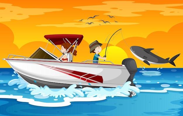 Strand bij zonsondergangscène met kinderen op een speedboot