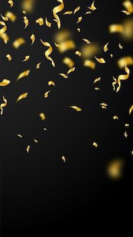 Streamers en confetti. gouden slingersklatergoud en folielinten. confetti vallende regen op zwarte achtergrond. betoverende partij-overlay-sjabloon. eminent vieringsconcept.