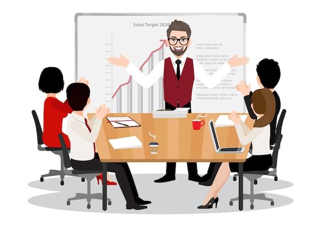 Stripfiguur met de vrolijke gemotiveerde man die aanbevelingen, presentatie geeft aan kantoormedewerkers tijdens de vergadering. concept van leiderschap platte pictogram