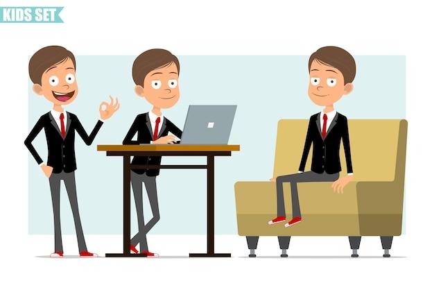 Stripfiguur plat grappige zakelijke jongen in zwarte jas met rode stropdas. jong geitje dat aan laptop werkt, op bank rust en goed teken toont. klaar voor animatie. geïsoleerd op grijze achtergrond. set.