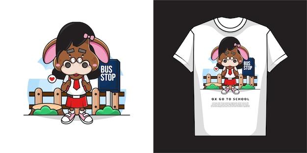 Stripfiguur van schattig ossenmeisje wacht op de schoolbus met t-shirtontwerp Premium Vector