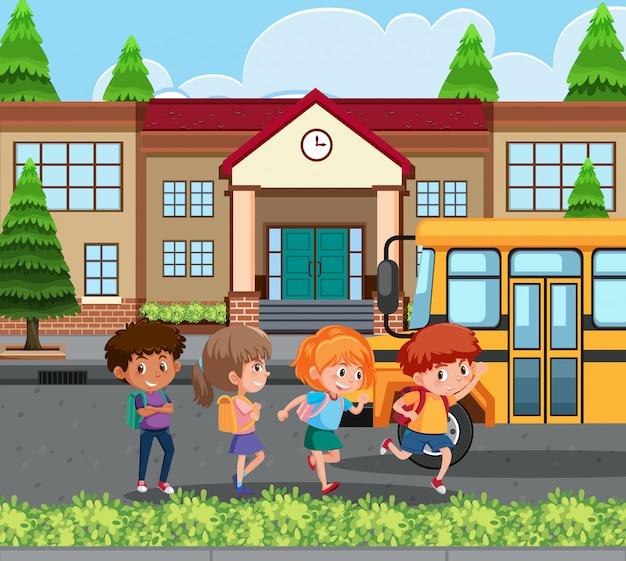 Student naar huis met de schoolbus