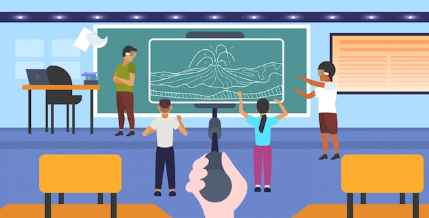 Studenten dragen een 3d-bril kijken naar virtual reality vulkaanuitbarsting via headset vr digitale technologie concept smartphone scherm op selfie stick klaslokaal interieur horizontaal volledige lengte