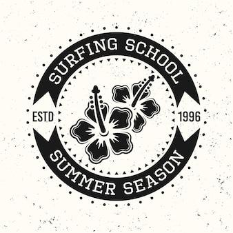 Surfen zwarte vintage ronde embleem, badge, label of logo met hawaii bloemen vectorillustratie geïsoleerd op een witte gestructureerde achtergrond