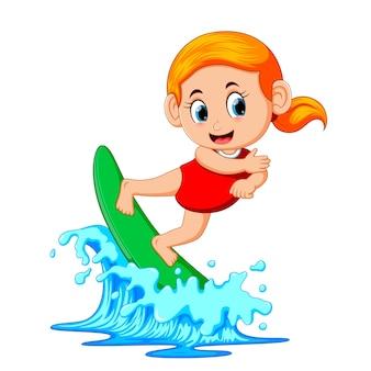 Surfer op blauwe oceaan