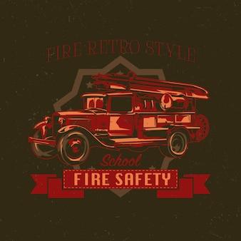 T-shirt labelontwerp met illustratie van vintage brandweerwagen.