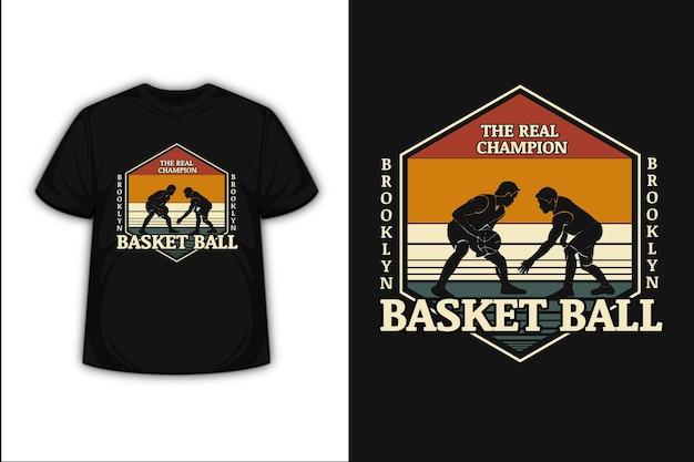 T-shirt ontwerp met de echte kampioen brooklyn basketbal in oranje crème en groen