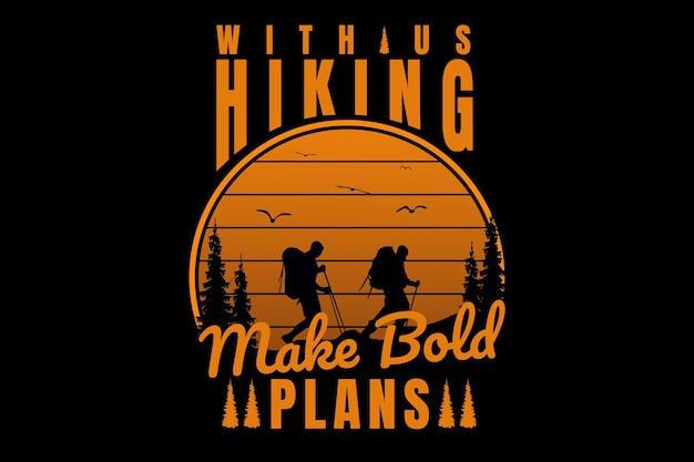 T-shirtontwerp met typografie wandelen berg dennenboom vintage stijl