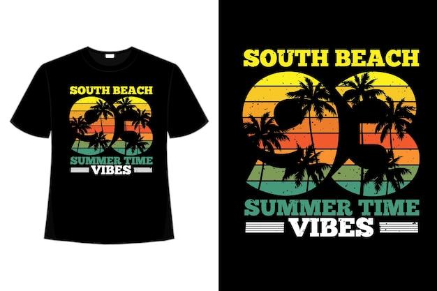 T-shirtontwerp van palmboom in de zomertijd van het zuidenstrand in retrostijl