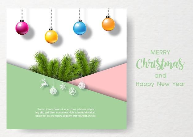 Takken van dennenboom met kerstballen in roze en groen papier met tekst van kerstmis, voorbeeldteksten op wit papier patroon achtergrond. kerstwenskaart in 3d en papier gesneden stijl.