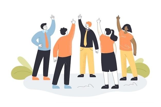 Team van arbeiders die in cirkel staan en vingers omhoog steken