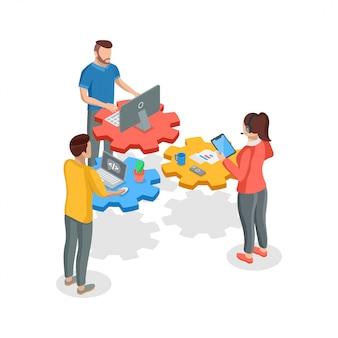 Teamwork concept. isometrische vier mensen teamwerk met apparaten