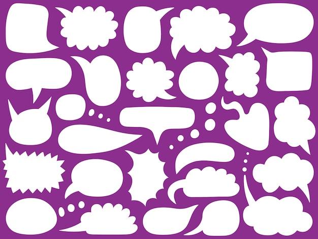 Tekstballonnen. lege lege berichtballonnen, doodle chatwolken, handgetekende spreekbellenframes.