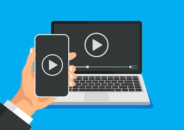 Telefoon verbinding met tv-streaming en het bekijken van video-inhoud. speler op monitor. mobiele technologie