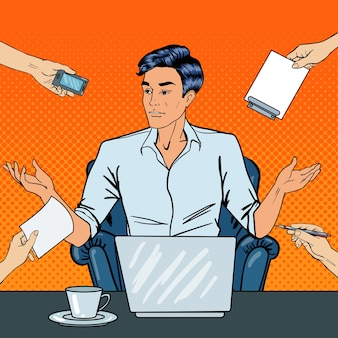 Teleurgestelde popart zakenman met laptop gooit zijn handen op kantoorwerk met meerdere taken. illustratie