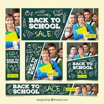 Terug naar school webbanner collectie in schoolbord-stijl met afbeeldingen