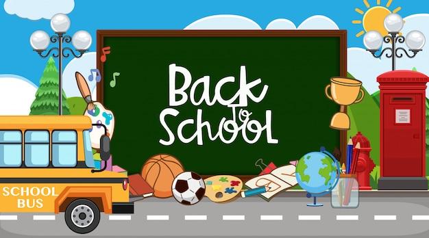 Terug naar schoolbord met veel schoolitems