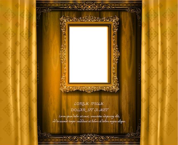 Thailand koninklijk gouden fotoframe op houten patroon met gouden gordijnzijde