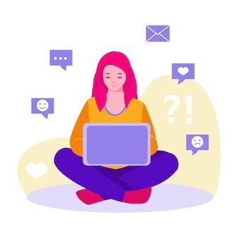 Tienermeisje met een laptop brengt tijd door in sociale netwerken. symbolen van letters, houdt, glimlacht. vectorconcept in platte cartoonstijl.