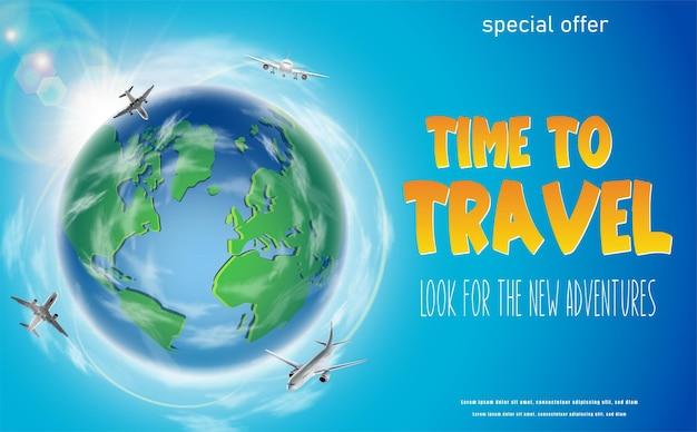 Tijd om banner te reizen met groene wereldbol en vliegende vliegtuigen rond horizontale oriëntatie
