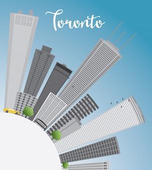 Toronto skyline met grijze gebouwen, blauwe lucht en kopie ruimte.
