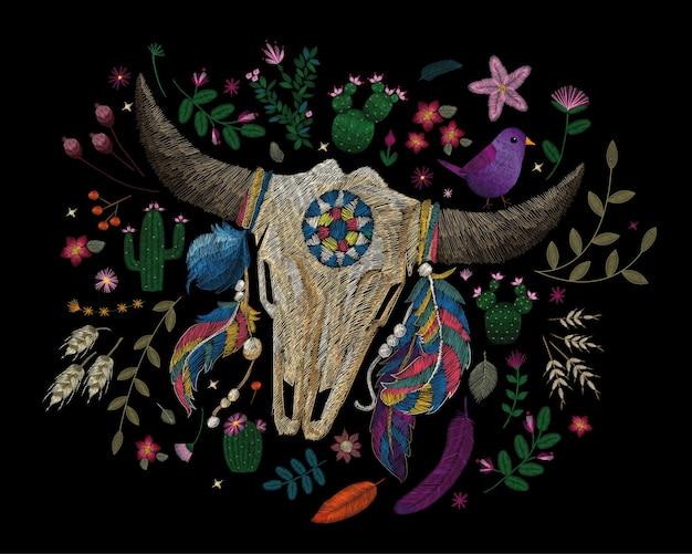 Traditioneel folk stijlvol bloemenborduurwerk.