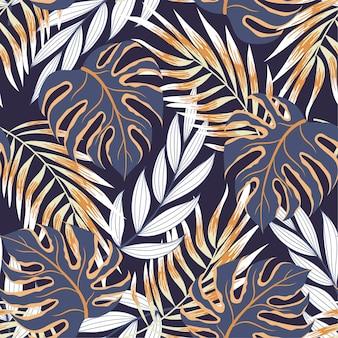 Trendy naadloos tropisch patroon met kleurrijke planten en bladeren op een donkere achtergrond
