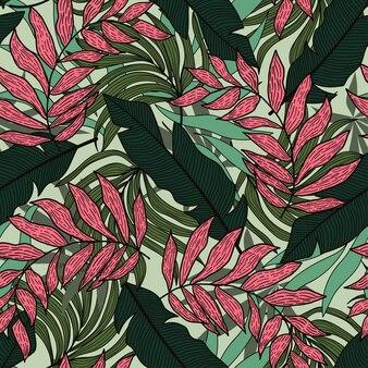 Trendy naadloos tropisch patroon met planten en bladeren in groene tinten