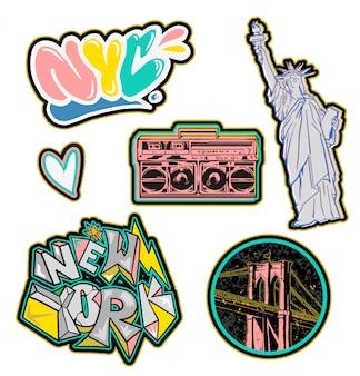 Trendy set ontwerp kleurrijke patches sticker met gebouwen in new york city en graffiti inscriptie voor mode schoonheid kledingaccessoires zoals t-shirt bomber sweatshirt print illustratie straat slijtage