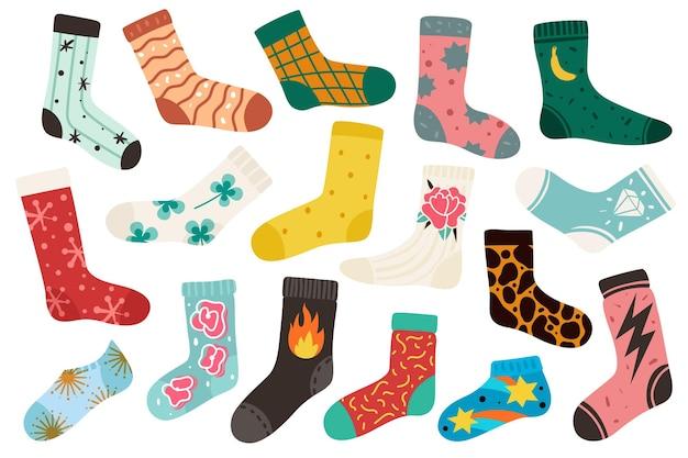 Trendy sokken. katoenen stijlvolle lange en korte grappige sokontwerp nieuwe collectie. cartoon wollen kousen met mode patronen geïsoleerde vector kleurrijke doodle moderne set van leuke gezellige accessoires