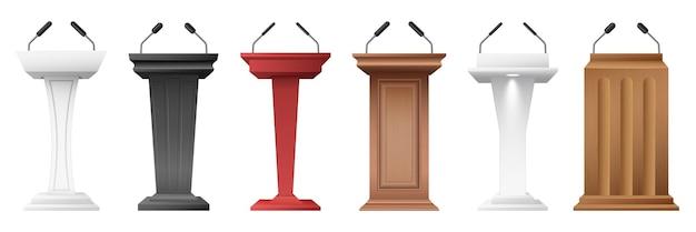 Tribunen ingesteld. realistische podia met microfoons, winnaars- of sprekerssokkels voor lezing, prijsuitreiking, persinterview en politiek debat. 3d vectorillustratie