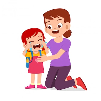 Triest huilend kind meisje met moeder glimlach