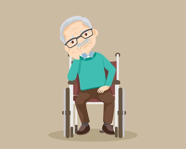 Trieste bejaarde man verveeld, verdrietig senior man zit in een rolstoel