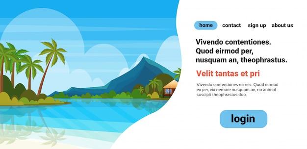 Tropisch eiland met villa bungalow hotel op strand kust berg groene palmen landschap zomervakantie platte copyspace