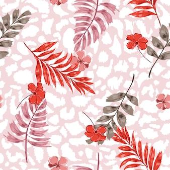 Tropische bloemen en bladeren op exotische luipaardprints