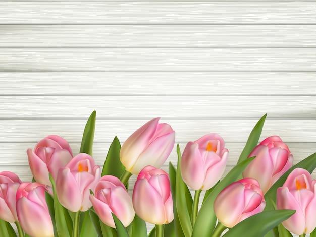 Tulp op de houten achtergrond.