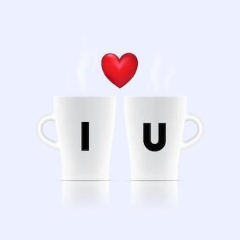 Twee brieven op koffiekop voor de dagconcept van de liefdevalentijnskaart.