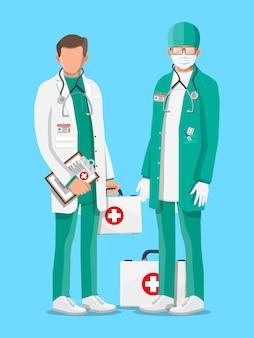 Twee dokters in jas met stethoscoop en koffer